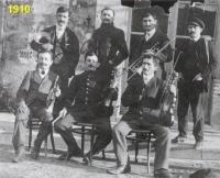 lyre-1910