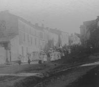procession15-18-1895-1